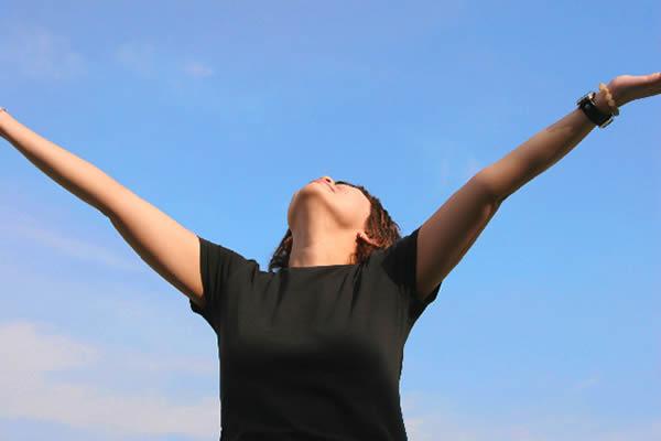 Tomar el sol y respirar aire fresco reducen la probabilidad de deresión