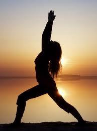 El yoga, taichi o la meditación combaten la ansiedad.