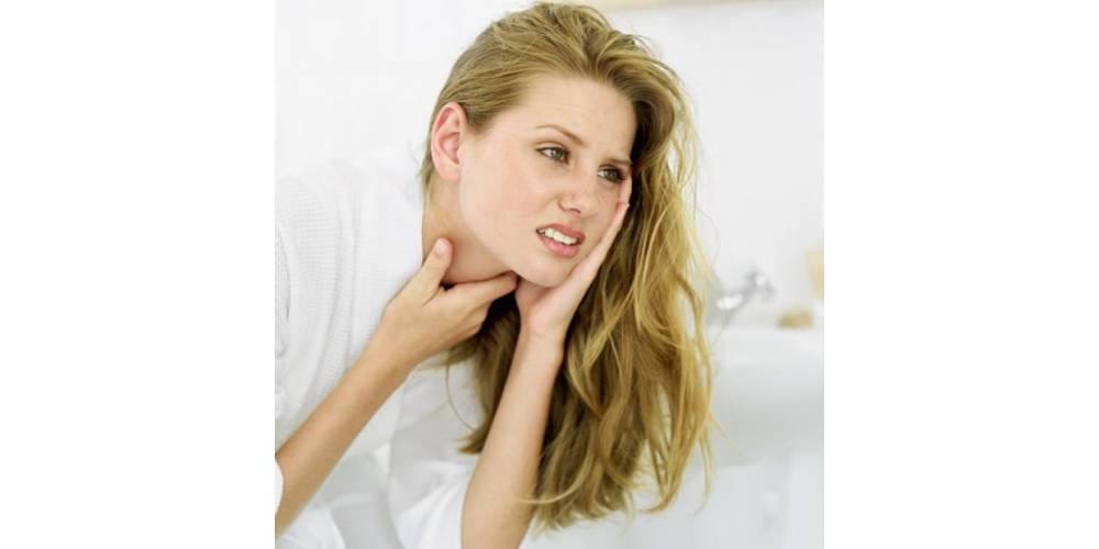 Faringitis y laringitis: 4 consejos para aliviar el dolor de garganta y 4 para evitarlo